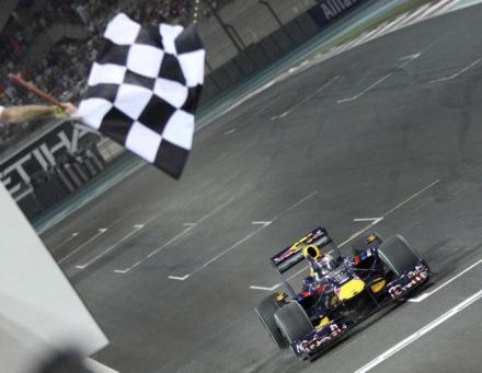 Vettel wins in Abu Dhabi
